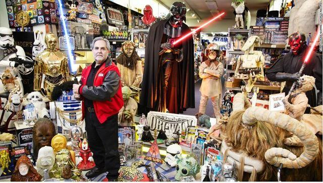 Sansweet, from the U.S., has amassed an estimated 300,000 unique items, of Star Wars memorabilia, at Rancho Obi-Wan in northern California. As of May 15, only 90,546 items had been audited.