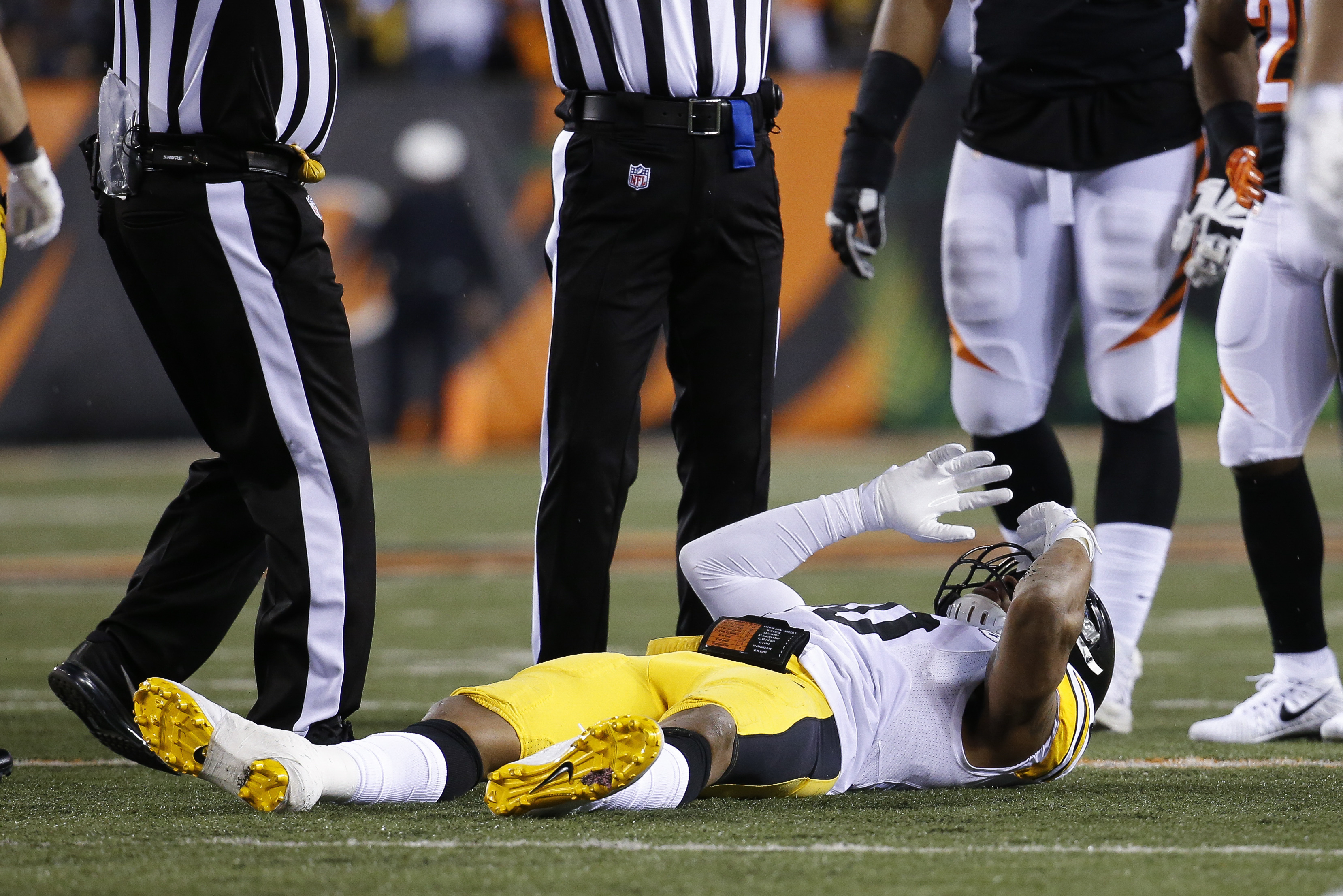 Pittsburgh Steelers inside linebacker Ryan Shazier lies on the field after an apparent injury in the first half of an NFL football game against the Cincinnati Bengals, Monday, Dec. 4, 2017, in Cincinnati. (AP Photo/Frank Victores)