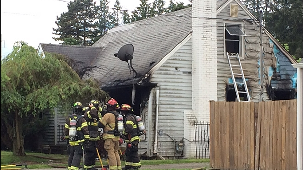 One person killed in skyway house fire komo for Single person house