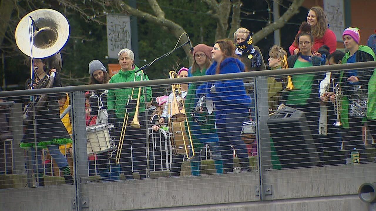 A band greeted marchers at Seattle Center. (Photo: KOMO News)