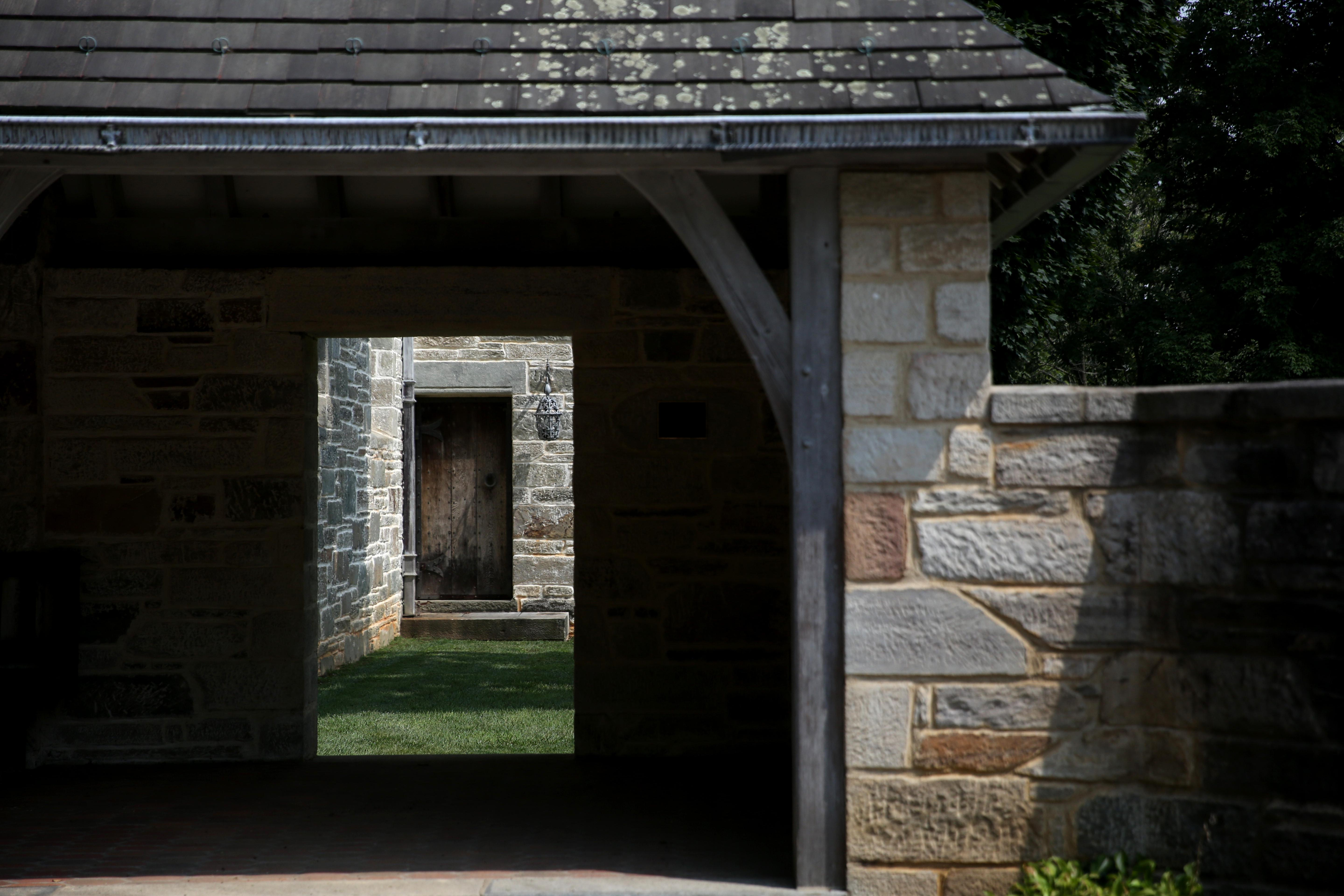 The local Episcopal church was built in 1840, but you can wander through the grounds and enjoy an easy stroll at the base of the Shenandoah Mountains. (Amanda Andrade-Rhoades/DC Refined)